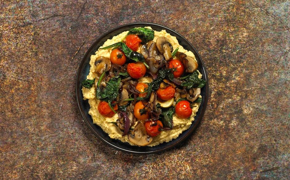 Hummus m tomater 1920px